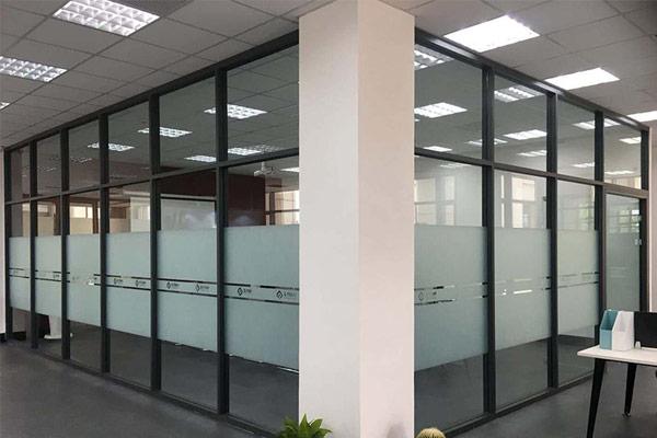 办公室玻璃隔断
